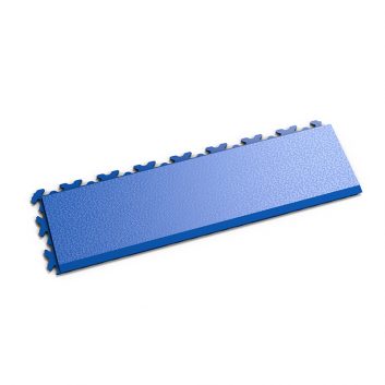 Modrá nájazdová rampa k podlahám Fortelock Invisible.