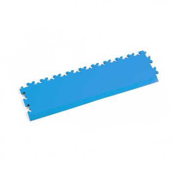 Svetlo modrá nájazdová rampa k podlahám Fortelock Industry a Light.