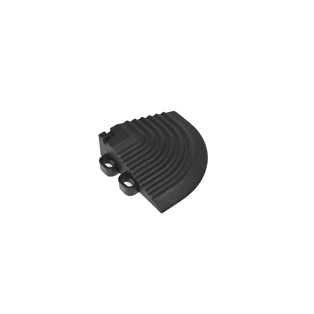 Nájazdový roh k odolným PPC podlahám Swisstrax (čierny)
