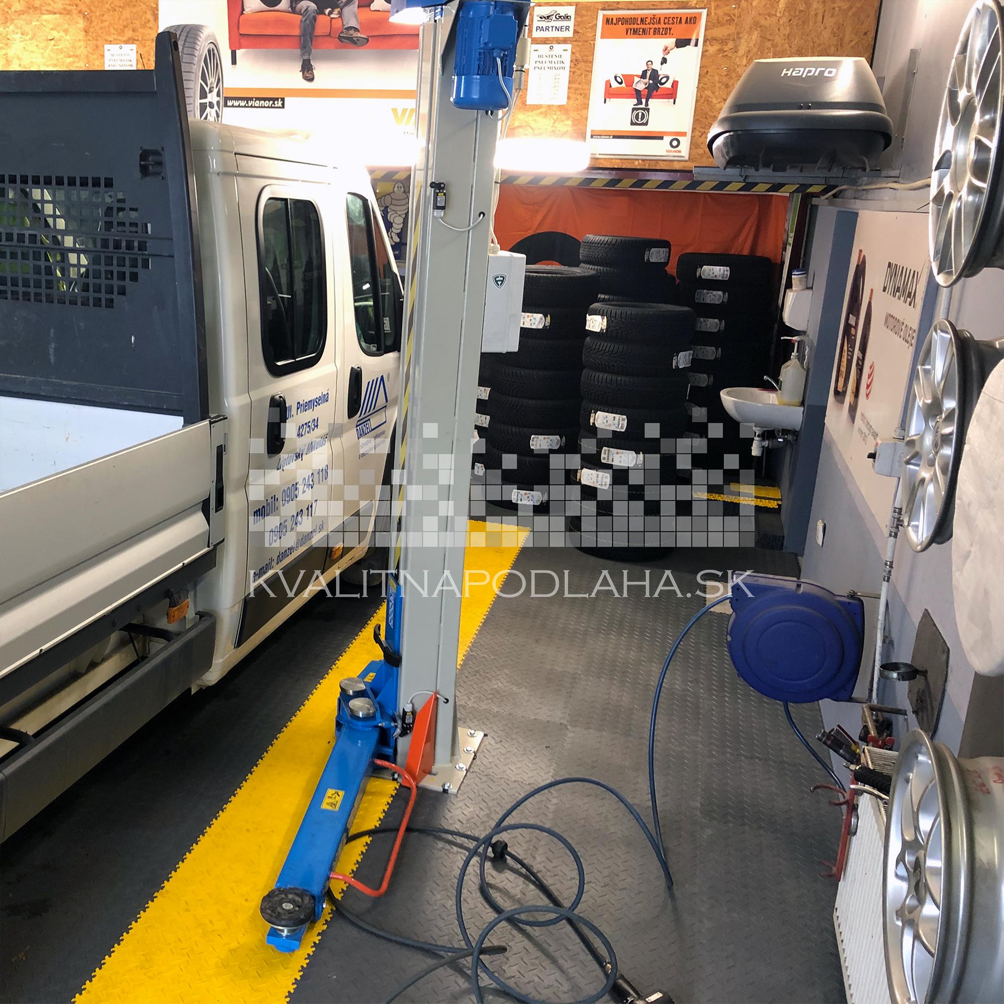 Odolná a kvalitná dlažba z PVC Fortelock v pneuservise
